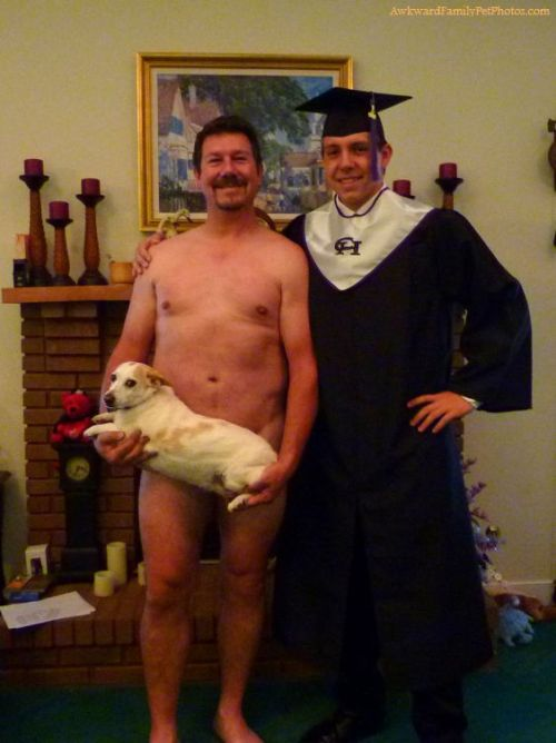 (via Deep Cover « AwkwardFamilyPhotos.com 03/4/2012)