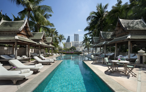 The Peninsula Hotel Bangkok - Pool area. Click here for full gallery.