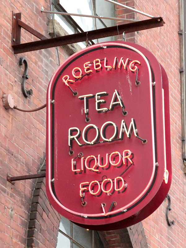 Roebling Tea Room. Neon.
