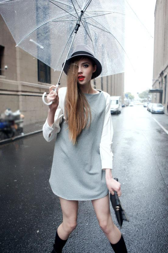 still wanna be a cool girl in rainy day!