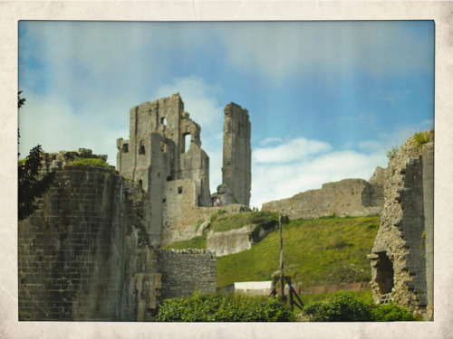 Corfe Castle on Flickr.