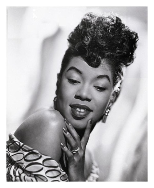 (Yesterday) atane:  Born on this day: The Divine One, Sarah Vaughan (Source)