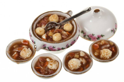 allthesmallthingsminiatures:  Beef stew and dumplings by Amanspeak on Etsy.