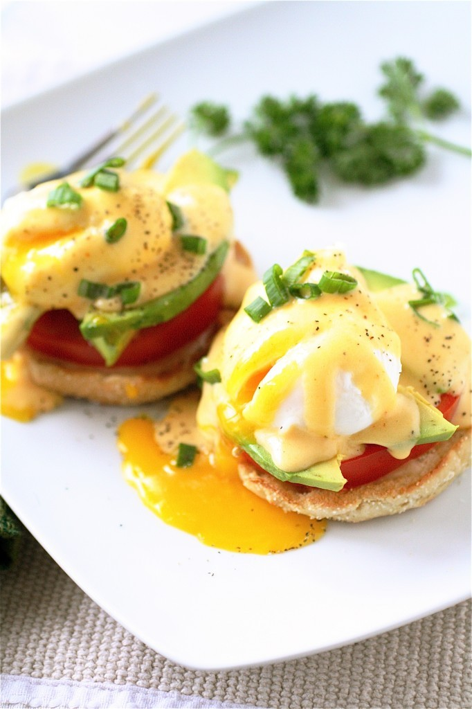 gastrogirl: california eggs benedict. Looks like brunch to me!
