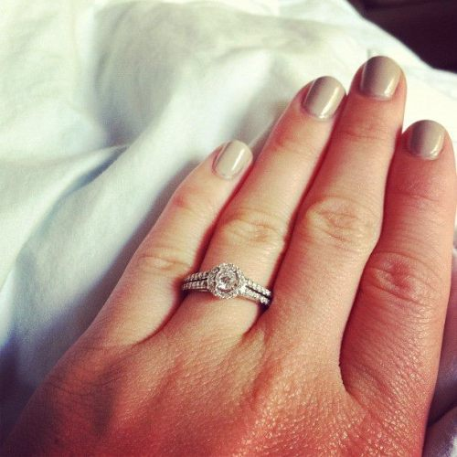Hey Tumblr….IM ENGAGED!!!