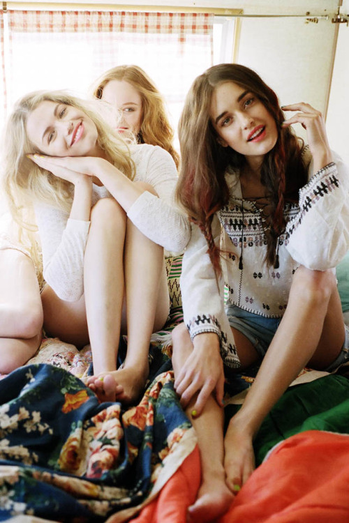 Behind the scenes of the Free People April lookbook