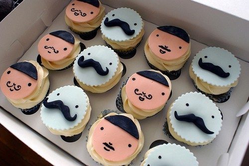 THE 'STACHE SUPPORTS: Mustache Cupcakes.   (via Secret 'stache)