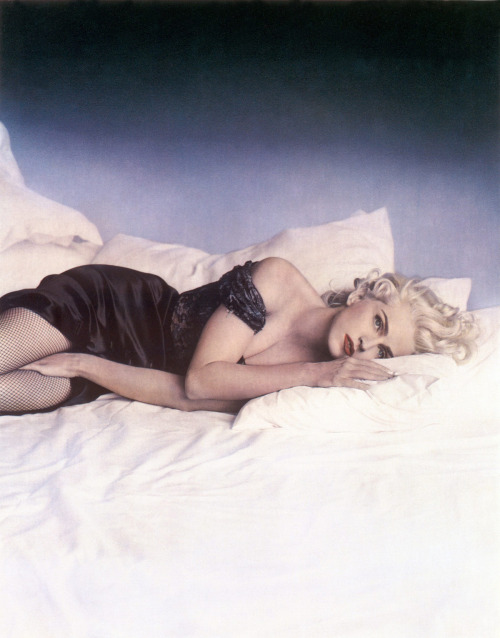#Madonna #truthordare 90s lorimattix:  in bed with madonna
