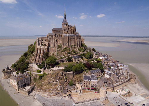 ysvoice:  | ♕ |  Mont Saint-Michel  | by © Evan Reinheimer - Kite Aerial Photography   Omg this place looks like something out of a movie or this world. #cool