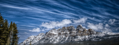 Keeping with the HDR theme at Banff Photography! A gorgeous shot of Castle Mountain taken by Steve Wong.