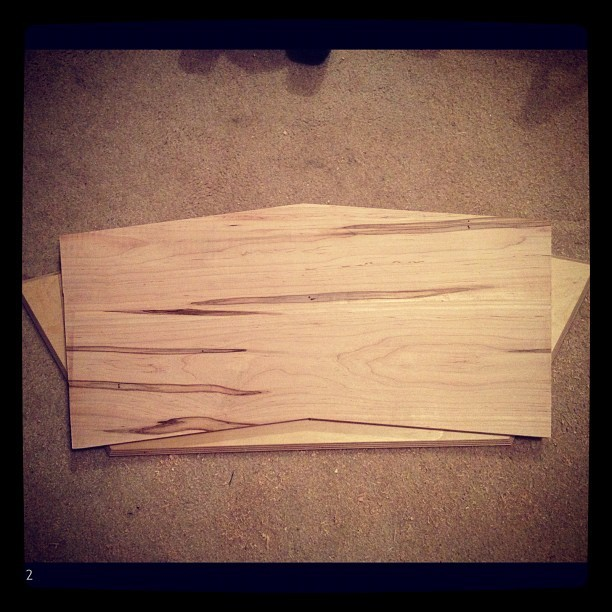 Spalted maple with extra sharp edges. #custom #hardwood #pedalboard #cleantone  (Taken with instagram)