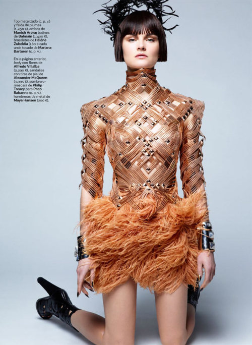 S Moda España March issue 2012 was shot by Japanese photographer Satoshi Saikusa and features the model Anouck Lepere.