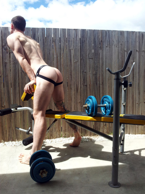 mysportyboy:  Follow the hottest sportsmen…http://mysportyboy.tumblr.com/