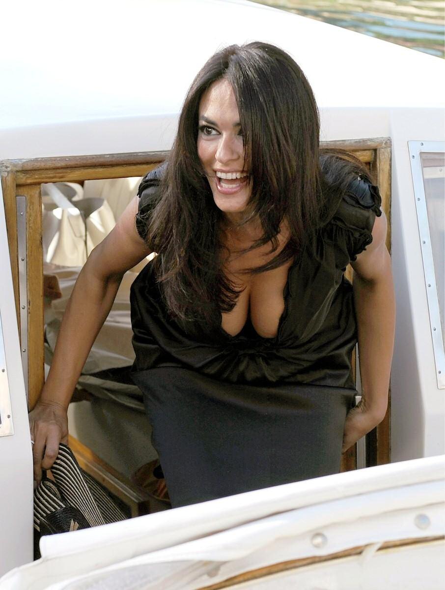 Maria Grazia Cucinotta - motorboatable