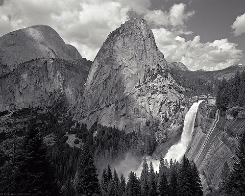 tripudios:  Nevada Fall, John Muir Trail, Yosemite National Park Tyler Westcott