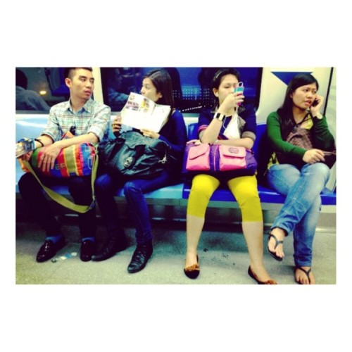 andyoushouldlive:  #faces #people #onthetrain #singapore and that's #wednesday (Taken with instagram)