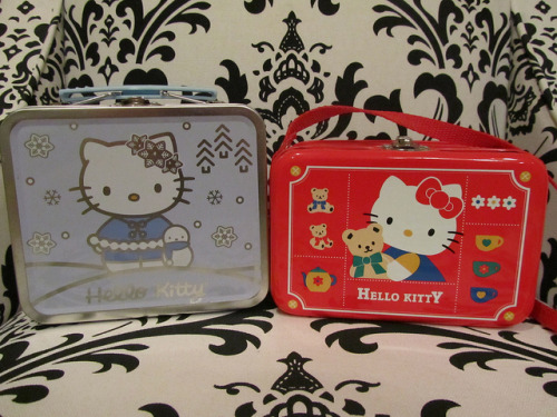 1996 & 2001 Hello Kitty Tins by Suki Melody on Flickr.