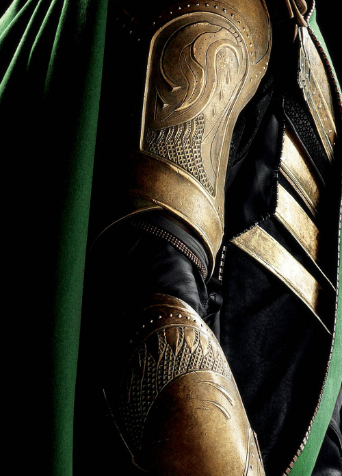 lokiperfection:  That is some sexy armour!