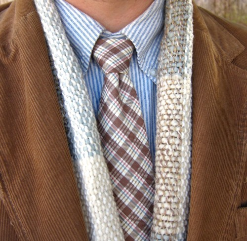 Wearing today: Blue bengal stripe button-down shirt; plaid cotton necktie; wool blend hand-loomed scarf; tan corduroy sport coat. I wove the scarf myself. I'm kinda crafty like that.