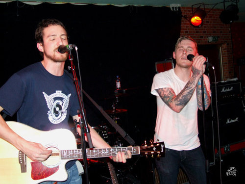 pepperedham:  Frank Turner & Brian Fallon: Saving rock music.  This is wonderful.