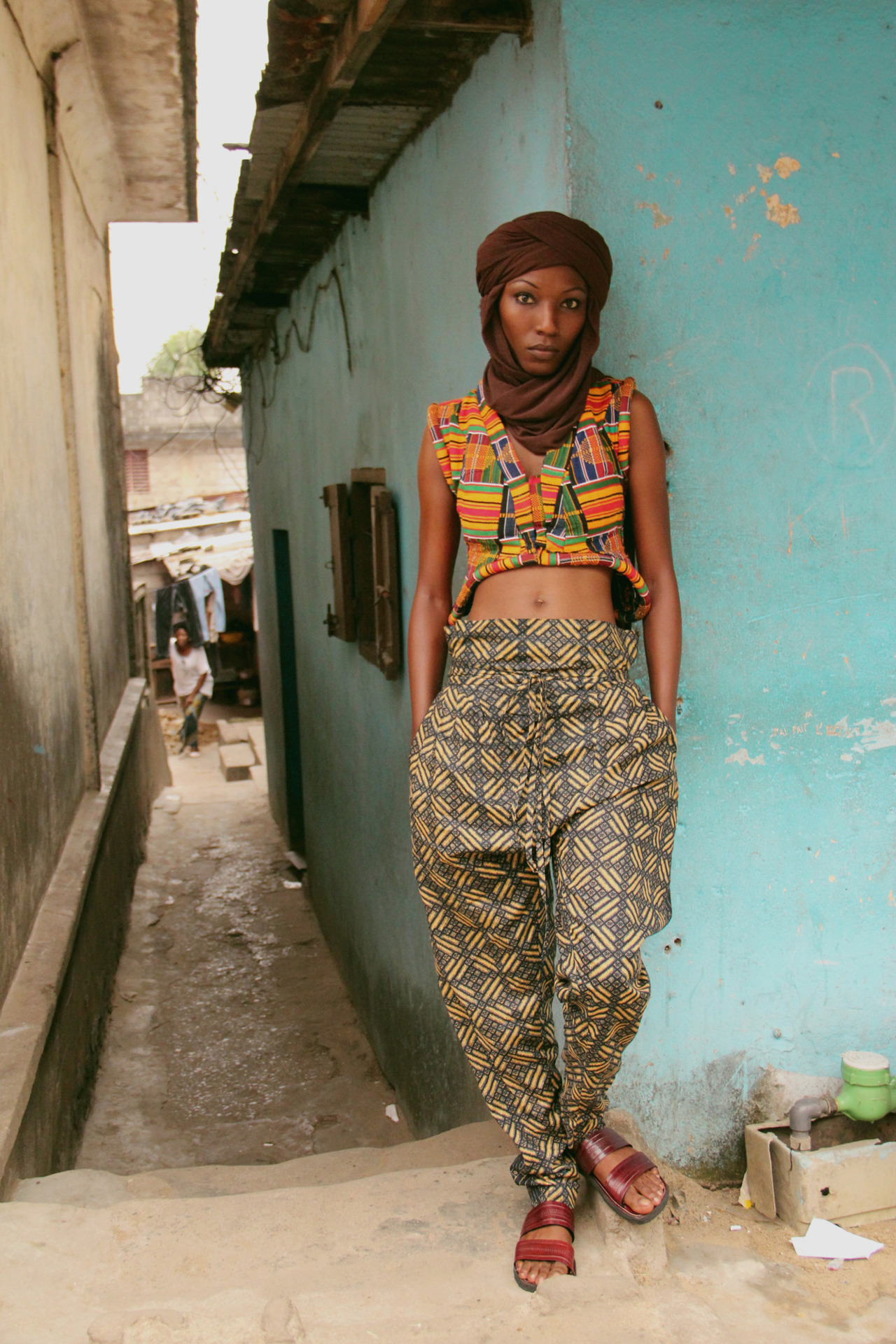 lozamaleombho:  Loza Maléombho  Autumn/ Winter 2012 - 13 Akan kente - Cropped vest Nomad - trousers