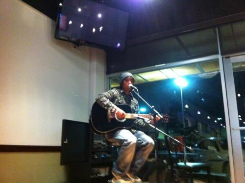 first time solo in an open mic ^^;