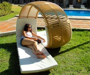 Double Patio Lounger, from ThisIsWhyImBroke.com http://bit.ly/GX9qSs