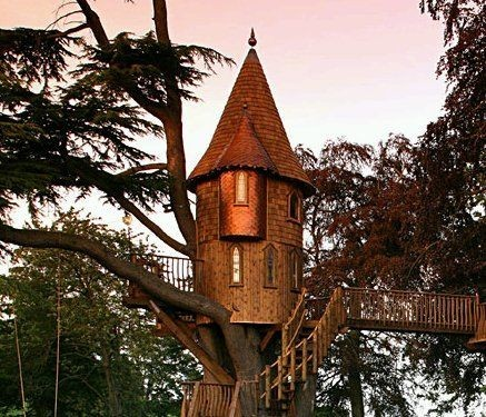 tinyhousesmallspace:  Tree House Love…