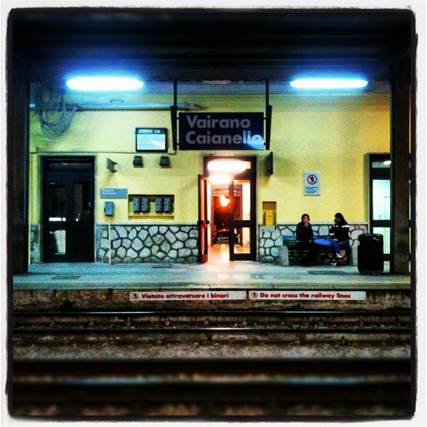 Waiting for train #train #station (Scattata con instagram)