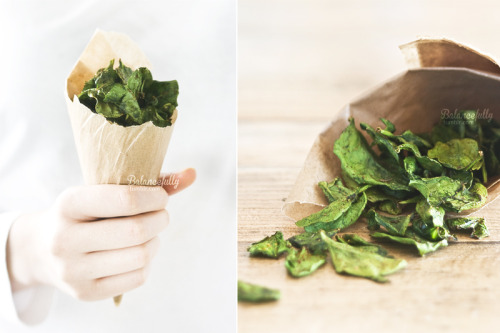 Growing spinach this year? Try these oven baked spinach chips for a quick snack. wilddirt:  I think I might make some fo these for a weekend backpacking trip I have coming up here. - AK destination-fit:  Oven Baked Spinach Chips Ingredients• Bucket load of spinach leafs. I am talking about handfuls here!• A bit of extra virgin olive oil, to coat the leaves. You don't need a lot - for 400 grams of spinach leaves, I used 1 tablespoon of oil.• Herbs. I used pepper, curry powder, red pepper powder, garlic powder and thyme.Directions1. Preheat oven at 120°C / 250F,2. Rinse and dry the spinach leafs,3. Place spinach in a large bowl, pour in some olive oil to coat the leafs,4. Add herbs, toss it all around,5. Place some baking paper on a tray, and lay out the spinach nice and evenly,6. Pop them in the oven for 15-20 minutes. Keep checking on them until they're crisp!I could eat buckets of this stuff. Yum! Enjoy your crispy veggies. :)