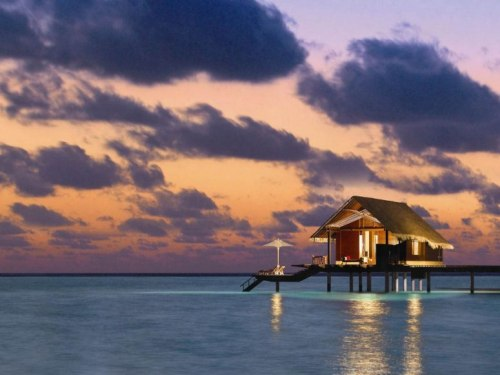 12 hotels with overwater bungalows, from Bora Bora to the Maldives