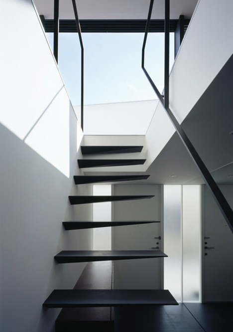 Ring - Apollo Architects & Associates via clerb