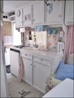 anyonecandecorate:  Home Sweet Motorhome