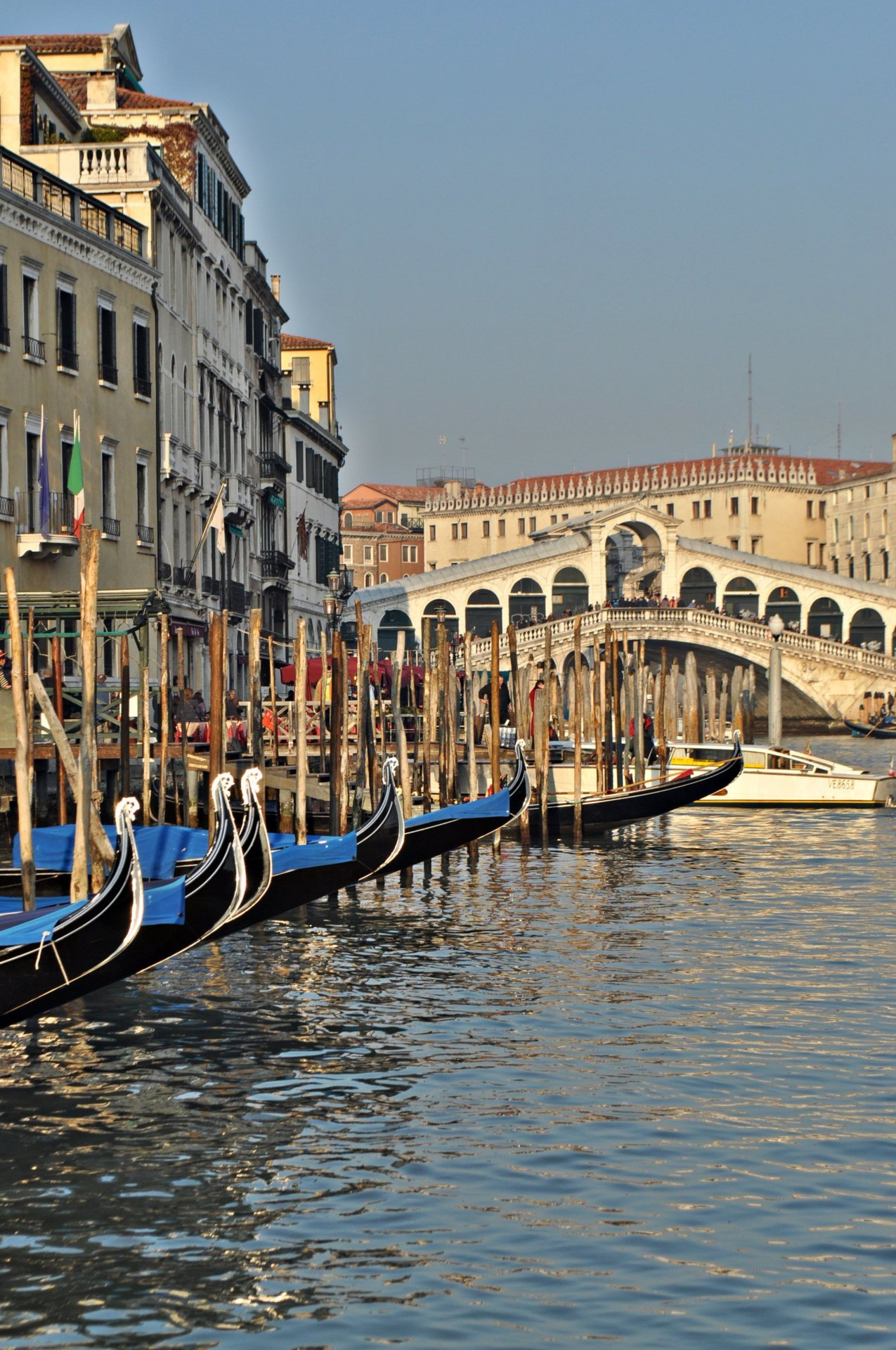 travelingcolors:  Grand Canal, Venice | Italy  Photo taken by me (travelingcolors)