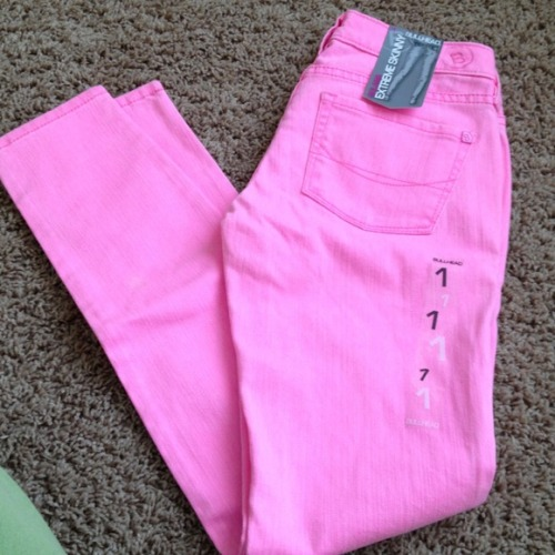$20 brand new, bright pink jeans for spring? Yes, please! Check them out here.