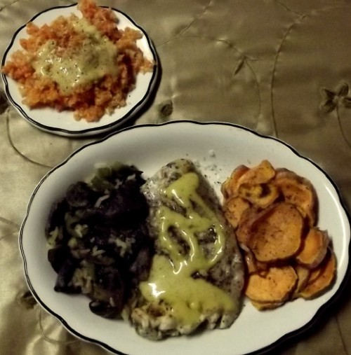 March 27, 2012 Last day of leftovers! Fish, Mushrooms, Sweet Potato Fries, and Cabbage/Carrot Slaw Today, I re-heated all in microwave, except for slaw.  I added Honey-Mustard Dressing to top of fish and to the slaw.  I just love honey-mustard dressing!  LOL
