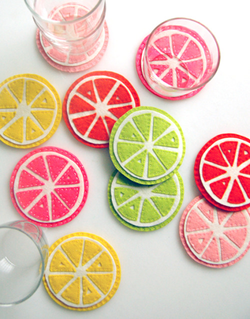 We're smitten with this citrus coaster DIY from Purlbee!