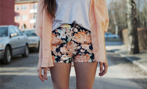 zacharysmithh:  vogue-coast:  ohmygod, perfection   Im a sucker for floral. shiiit.