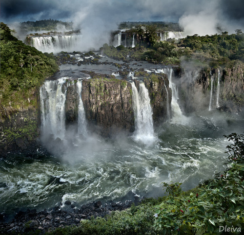 Cataratas de Iguazú / Iguacu Falls (Brasil) by dleiva on Flickr.