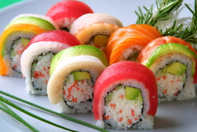 crystallynn101:  my fav food lol rainbow rolls. ^______^