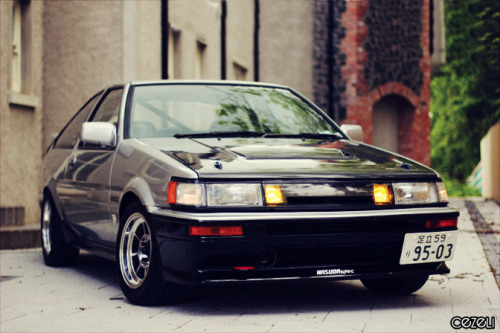 Car: AE86 Toyota Corolla Levin Location: N. Ireland Story: I shot this Corolla for MotorMavens for '86 Day - the car is owned by a good pal and fellow OMGdrift contributor Chris Gray Click here for the full feature on MotorMavens.com