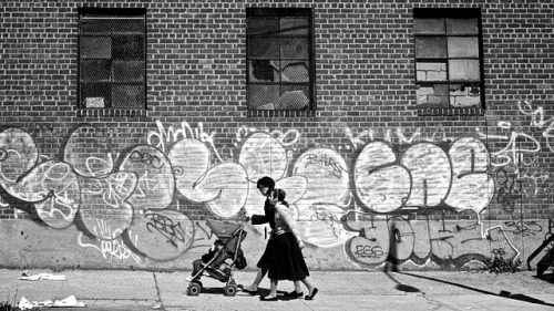 jacobslinger:  Hasidic women in Brooklyn.
