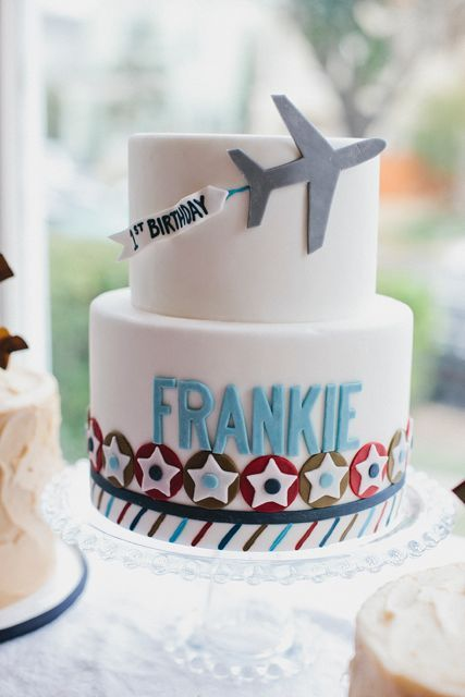 Airplane Birthday party: Cake!