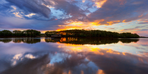 Hunter River Sunset pano by Stevpas68 on Flickr.