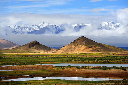 torace:  Ice peaks and desert sand dunes all visible in the Tibetan Himalayas (by reurinkjan)