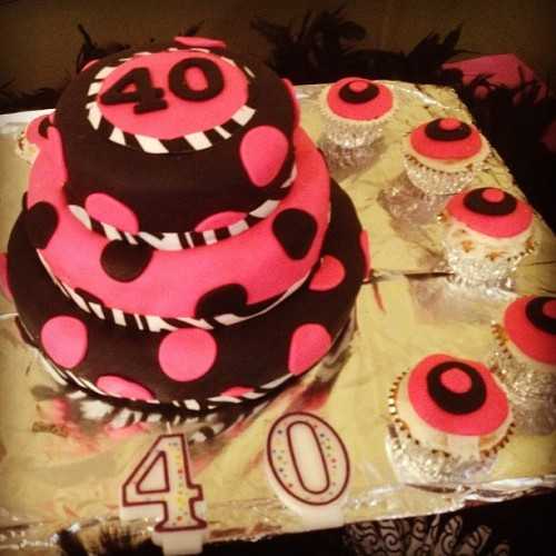 The hot pink cake #cake #cupcake #birthday  (Taken with instagram)
