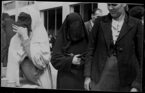 Bosnia circa 1941. Veiled Women in Market (via flickr)