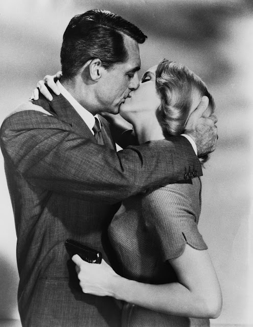 thegoodfilms:  Cary Grant & Eva Marie Saint | North by Northwest (1959)