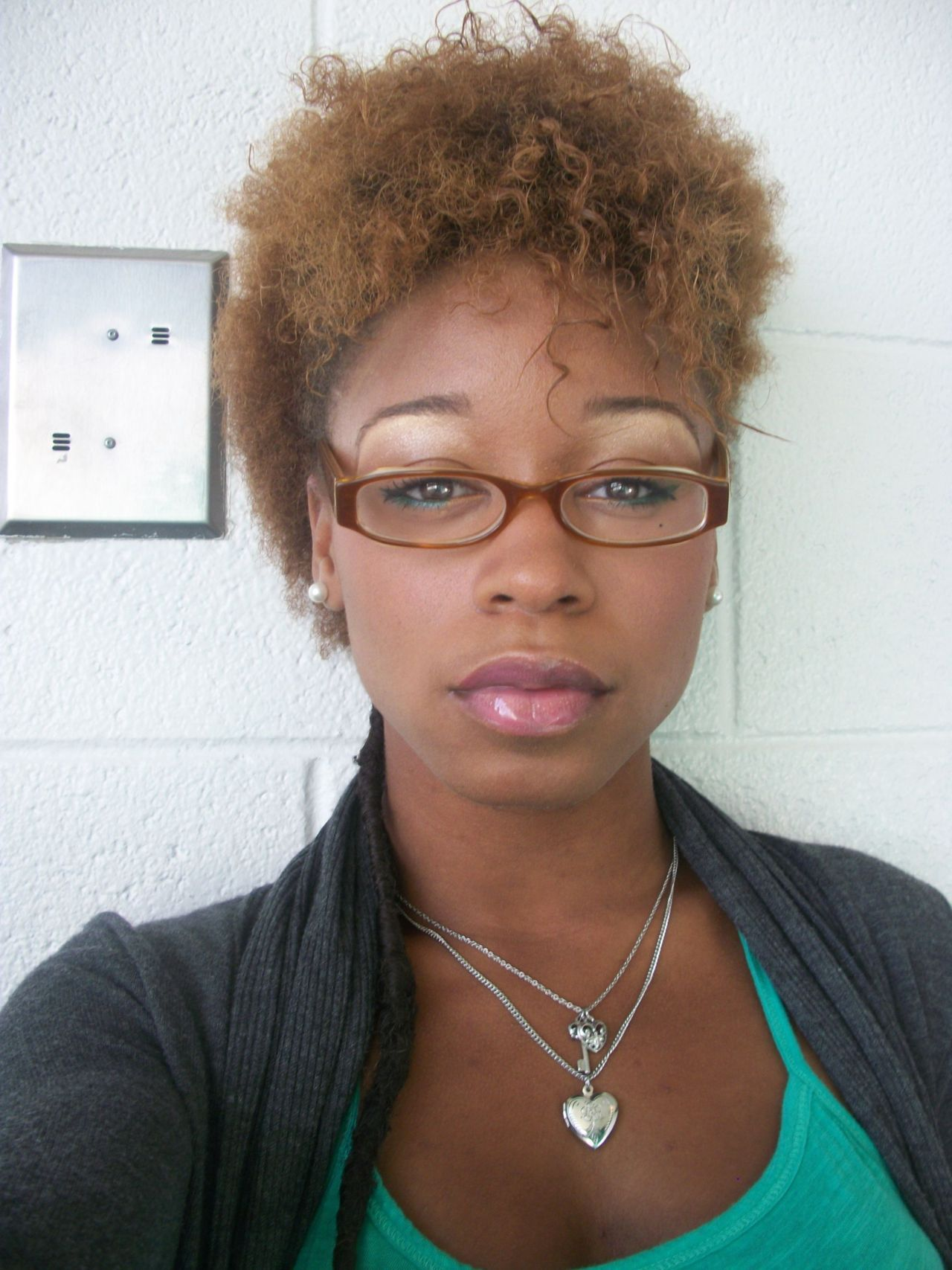 18-15n-77-30w:  blackgirlsrpretty2:  Me when I 1st went natural  agelessambition.tumblr.com  http://18-15n-77-30w.tumblr.com/