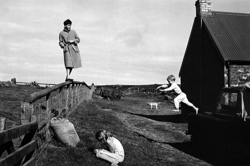 Paul, Stella and James McCartney by Linda McCartney, Scotland, 1982